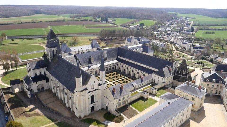 """Résultat de recherche d'images pour """"abbaye fontevraud"""""""